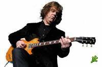 Умер гитарист Гари Мур